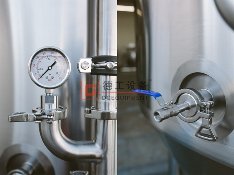 pressure-gauge-of fermentation tank
