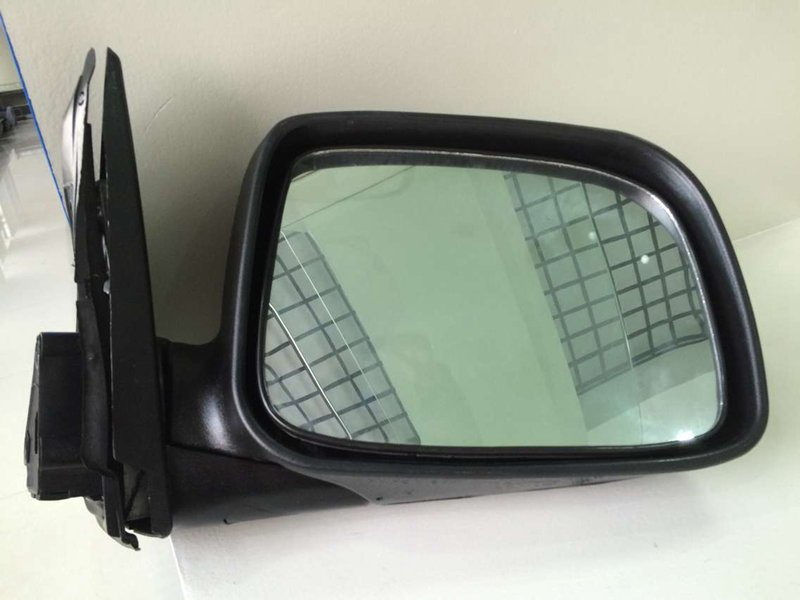 D-MAX 2002-2005 MIRROR BLACK AND MANUAL